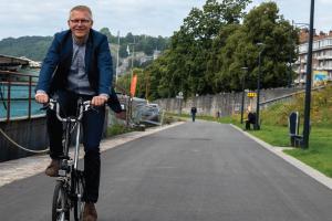 Te voet, Met de fiets, Met de trein…  tijdens een week vol ontmoetingen promoot Georges Gilkinet mobiliteit als vrijheid