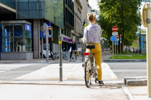 Rues cyclables et feux bicolores :  Georges Gilkinet adapte le Code de la Route pour des déplacements +sécurisés à vélo