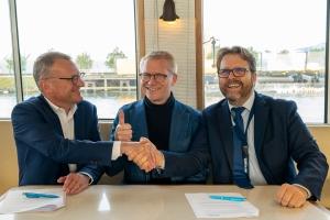 Le ministre fédéral de la Mobilité Gilkinet visite le North Sea Port : le Port signe un accord de coopération avec Infrabel pour augmenter de moitié le transport ferroviaire