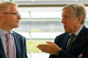 """Belgische Vicepremier Georges Gilkinet op bilaterale top in Luxemburg: """" Verbetering in het leven van tienduizenden Belgische pendelaars en nog meer Luxemburgers overtuigen om de trein te kiezen"""""""