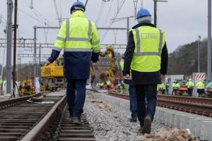 Le RER avance: installation des aiguillages sur les 4 voies ferrées à Ottignies