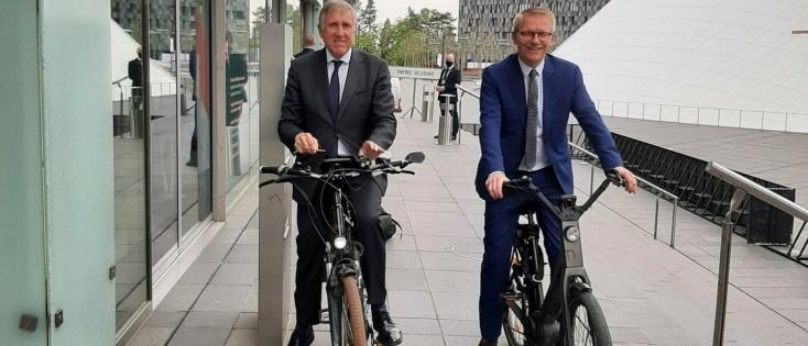 Europe & Mobilité – Pour Georges Gilkinet : « l'Union européenne doit changer de vitesse pour être en tête du peloton climatique »